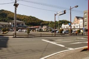 八幡浜駅前