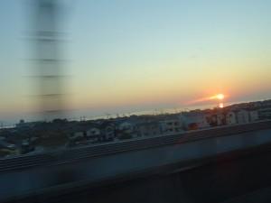 新幹線の夕陽