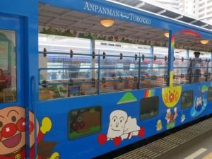 アンパンマントロッコ列車